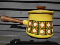 Vintage  RETRO Decorative~*~ENAMEL FONDUE POT / Saucepan~*~Wooden Teak Handle