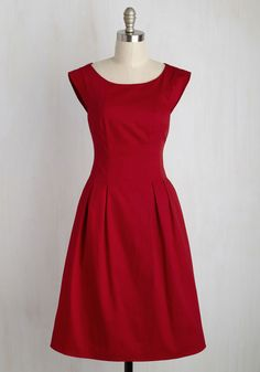This beautiful red dress is legit lovely! As you step up to the buffet line, those still seated admire the cap sleeves, silver zipper, and back keyhole of this pleated piece. And, when they discover this cotton frock's got hidden pockets? Sounds like you've just earned yourself some serious respect!