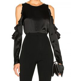 Cushnie et Ochs Cut Out Shoulder Top Holiday Party Outfit, Party Outfits, Flattering Outfits, We Wear, How To Wear, Fashion Bible, Cold Weather Outfits, Street Style Looks, Back To Black