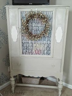 DIY Vintage China Cabinet Makeover (mine is identical..now I know how to make it better!)