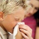 Il raffreddore, un malanno di stagione, talvolta banale, ma cosi' fastidioso, che colpisce tutti, adulti e bambini, rende nervosi, d...