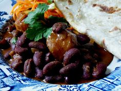 Food like Amma used to make it: How To Make Soft Roti Indian Food Recipes, Vegetarian Recipes, Cooking Recipes, Easy Recipes, Ethnic Recipes, Kidney Bean Curry, Beans Curry, Soft Roti Recipe, Bajan Recipe