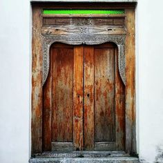 Theme: Big Big World |Heather Cai 2015. The #door in #penang .Penang Town #malaysia (2015.2) Share some photos from my latest trips(2015.8) to the oldest (2011.5). Enjoy!  #bloodyarts #landscape #arts #art#artist#snapshots#capture #nature#photography#bestpicoftheday#photooftheday #instagrammers #travel#neverstopexploring #beauty #travelblog#blogger #worldtravelers #traveling #travelbloggers #photographer#bigbigworld #wild #visuals #visualsoflife by bloodyarts