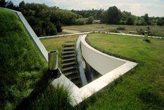 Green roof design paradigms - part 2 - Another potential difficulty with a very basic green roof is that in an austere system, any deficiencies in the design, specifications, or components will have a greater impact.   Read more: http://home.tipsdiscover.com/green-roof-design-paradigms-part-2/#ixzz2kNNdbFHy