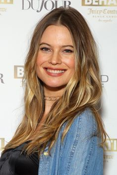 Behati Prinsloo –Sexy Behati x Juicy Couture Launch in New York City 2016 Hair Inspo, Hair Inspiration, Adam And Behati, Tall Girl Fashion, Corte Y Color, Bridal Makeup Looks, Behati Prinsloo, Messy Hairstyles, Hair Goals