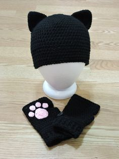 Kitty hat and paw fingerless gloves