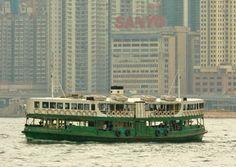 The Star Ferry across the harbour, Copyright: Alex Havret / Apa Publications (UK) Ltd