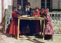 A group of Jewish children with a teacher, Samarkand (modern Uzbekistan), 1910, photograh by Sergei Mikhailovich Prokudin-Gorsky.