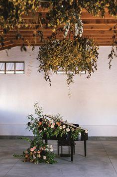 wedding reception decor Wedding Reception Decorations, Wedding Centerpieces, Reception Ideas, Handmade Invitations, Modern Romance, Fantasy Wedding, Ceremony Backdrop, Zinnias