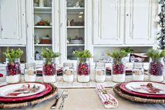 pretty christmas table setting
