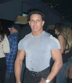 Guido Fist Pump Is Bringing You Jersey Shore House Pumping Guidos Dancing And Guidettes