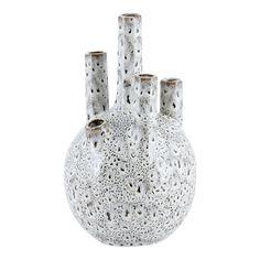 Tube vas från House Doctor. En vas med enkel design och tillverkad i cement. Plocka en bukett med di...