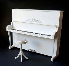 Piano, paint it white