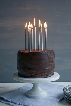 Pink Patisserie: Chocolate Peanut Butter Cake - such pretty candles! Tasty Kitchen, Chocolate Peanuts, Chocolate Peanut Butter, Cake Chocolate, Pretty Cakes, Beautiful Cakes, Beautiful Sofas, Köstliche Desserts, Delicious Desserts