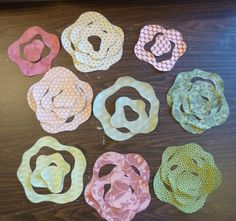 Photos from the French Rose raw edge applique class. Also, a miniature example of this quilt.