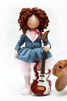 Hermosas Juguetes: Guitarrista + Sonia