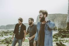 Bear's Den is a new indie folk band from Britain. Their album is out now.