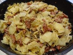 The recipe for simple and very tasty noodles with sausage and bacon. Perfect for lunch and dinner. More recipes at www. Slow Cooker Recipes, Cooking Recipes, Healthy Recipes, Pasta Recipes, Dinner Recipes, B Food, Soul Food, Tasty, Weights