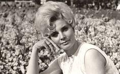 Královna swingu odešla na vrcholu slávy. Přesto sršela humorem do poslední vteřinky. Tajnosti slavných