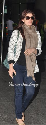 Top Indian fashion and lifestyle blog: Twinkle Khanna at Mumbai airport