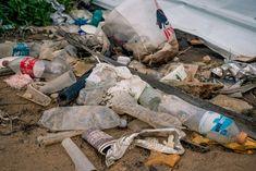 ¿El reciclaje es suficiente para resolver la crisis del plástico? Recycling, Aba, How To Make, Not Enough, Shape, Reuse Recycle, Plastic Bags, Upcycle