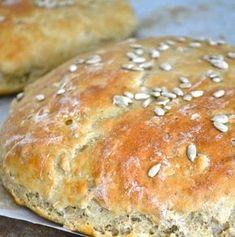 Meillä leivottiin leipää pitkästä aikaa ihan ohjeen mukaan. Yleensä sitä tehdään mutu-tuntumalla. Hyvää tuli, ohje on repäisty talteen Ruoka... Finnish Recipes, Savory Pastry, Bread Board, Daily Bread, Sweet And Salty, Baked Goods, Food To Make, Cake Recipes, Vegetarian Recipes