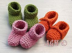 Easy booties for baby - like a bedsock for winter