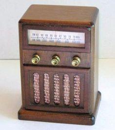 wooden tube radio.