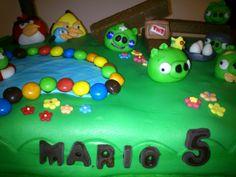 Tarta de Angry Bird...cumple de Mario