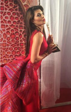 Jacqueline Fernandez at Stardust awards Indian Bollywood Actress, Bollywood Fashion, Indian Actresses, Mehendi Outfits, Star Wars, Stylish Girl Pic, Most Beautiful Indian Actress, Bollywood Celebrities, Indian Celebrities