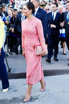 Princess Victoria Of Sweden, Crown Princess Victoria, Princess Mary, Lace Skirt, Lace Dress, Michelle Obama Fashion, Victoria Fashion, Prince Daniel, Swedish Royals