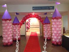 Balloon columns as castle entrance
