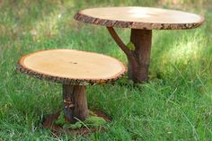 Tutorial for making rustic wooden tree branch cake stands. Perfect for a fairy or woodland party, or rustic wedding. Wedding Cake Stands, Cool Wedding Cakes, Cupcake Wedding, Wooden Cake Stands, Wood Cake, Diy Stool, Deco Nature, Fairy Furniture, Pallet Furniture