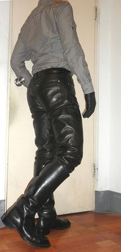 leather pants and boots | Laarzen, Mannen