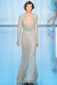 Hello glam! #sequin #weddinggown Ellie Saab
