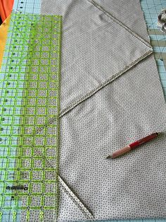 yet another continuous bias binding tutorial - sew three ends first and then cut apart