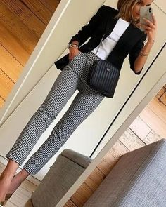 office outfits for young professionals Stylish Work Outfits, Edgy Outfits, Mode Outfits, Office Outfits, Work Casual, Fall Outfits, Fashion Outfits, Office Attire, Sweater Outfits