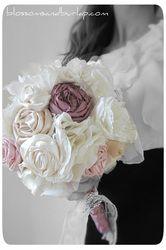 Custom Bouquethttp://blossomsandburlap.com/index.html