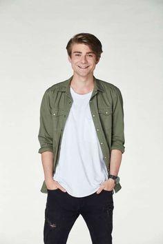 Bomber Jacket, Celebrity, Stars, Google, Jackets, Fashion, Down Jackets, Moda, Fashion Styles