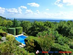 Vous rêvez de faire un achat immobilier entre particuliers ? Découvrez cette maison située à Tourtour dans le Var http://www.partenaire-europeen.fr/Actualites-Conseils/Achat-Vente-entre-particuliers/Immobilier-maisons-a-decouvrir/Maisons-a-vendre-entre-particuliers-en-PACA/Villa-traditionnelle-piscine-couverte-et-chauffee-garage-terrain-arbore-d-oliviers-vue-180-ID-2677414-20150428 #maison