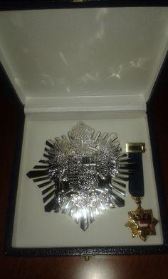 Placa y Miniatura de Comendador de la Imperial Orden Hispánica de Carlos V. (Sociedad Heráldica Española).