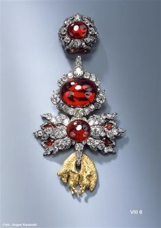 1749 German: Order of the Golden Fleece medal of pyrope and almandine garnets with 318 brilliant-cut diamonds in gold, silver and enamel.  (by Jean-Jacques Pallard for Augustus the Strong)