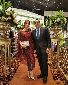 Dress Brokat Modern, Kebaya Modern Dress, Model Kebaya Modern, Kebaya Dress, Batik Kebaya, Batik Dress, Kebaya Bali Modern, Dress Pesta, Outfit Essentials