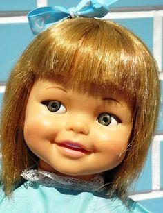 Yo fuí a EGB .Los años 60's y 70's.Los juguetes para niñas de los años 60 y 70. |yofuiaegb La EGB. Recuerdos de los años 60 y 70. Memories of 60's and 70's. Vintage Dolls, Beautiful Dolls, Disney Princess, Disney Characters, Baby Dolls, Old Fashioned Toys, Antique Dolls, Girls Toys, Infancy