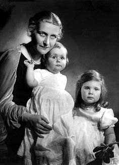 Helga (1932-1945) and Hilde Goebbels (1934-1945) with their mother Magda (1901-1945)