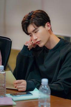 Script reading for Romantic comedy or starring Lee Na Young and Lee Jong Suk Lee Jong Suk Cute, Lee Jung Suk, Jung Hyun, Korean Celebrities, Korean Actors, Asian Actors, Korean Dramas, Lee Joon, Lee Jong Suk Wallpaper