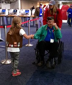 "Girl Scouts have a ""sweet"" way to thank Honor Flight veterans"