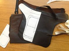 Facebook Twitter Google+ Pinterest Tumblr Yep you did read correctly, a leather hip bag is on the agenda today. I had some time this morning to get going on a little side project and I've always wanted to make a leather corset. But as I don't want to jump straight into making a corset with …