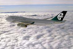 ニュージーランド航空(Air New Zealand)が公開した、飛行中の同社のボーイング(Boeing)747-400型機(撮影日不明、資料写真)。(c)AFP/Air New Zealand via Getty Images ▼6Jul2014AFP|NZ航空の機長と副機長に停職処分、副操縦士を「閉め出し」 http://www.afpbb.com/articles/-/3019802 #Air_New_Zealand #Boeing_747_400