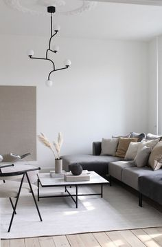 Calm living room in grey and white with touches of beige and camel Minimalist Living Room Beige Calm camel Grey Living Room touches white Wohnzimmers Beige And Grey Living Room, Living Room Modern, Living Room Sofa, Living Room Designs, Living Room Decor, Minimal Living Rooms, Dining Room, Interior Simple, Home Interior
